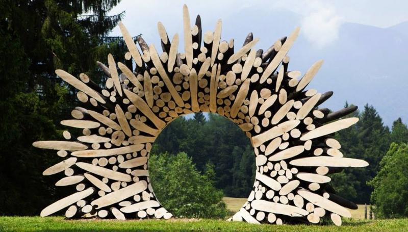 10 œuvres monumentales en bois entrelacés !