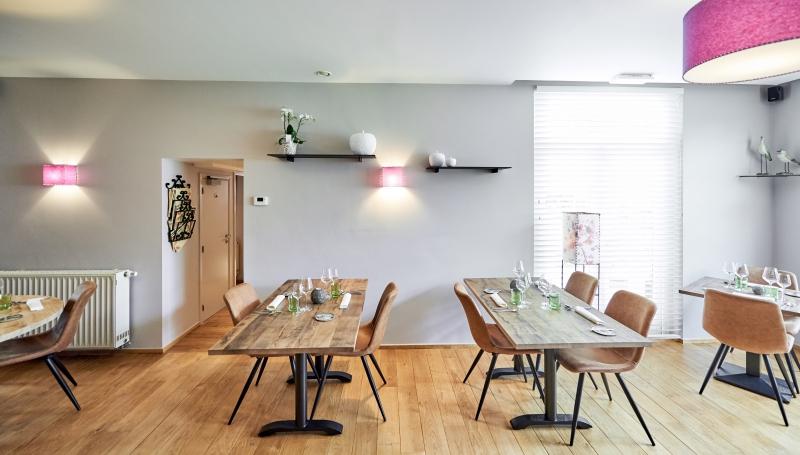 La GLORIETTE choisit des tables PLAN CHENE pour accueillir ses convives