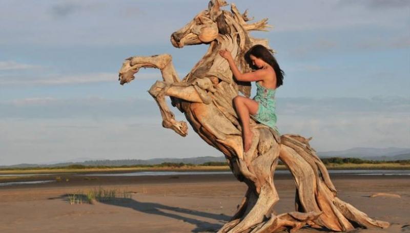 Découvrez les superbes sculptures en bois de Jeffro Uitto